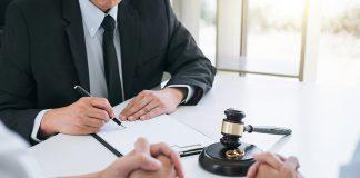 Best divorce lawyer in Sydney meeting a client